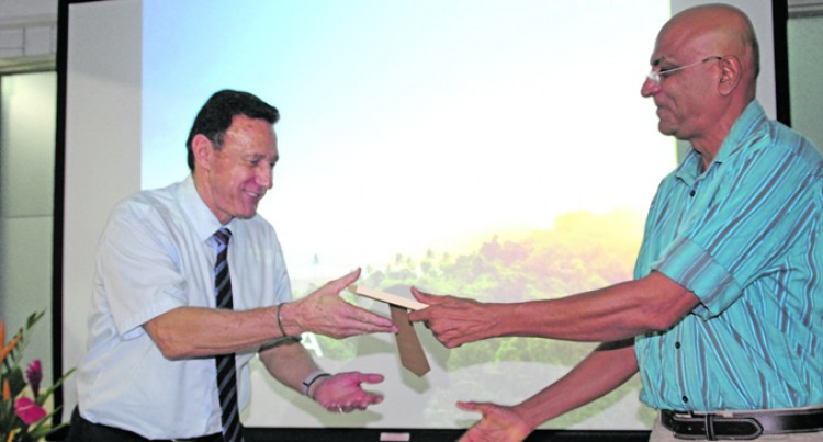 USP Students Meet Fiji Airways Boss Viljoen