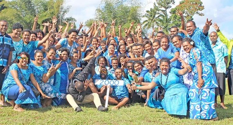 Lelean Collects $101K  To Build School Hall