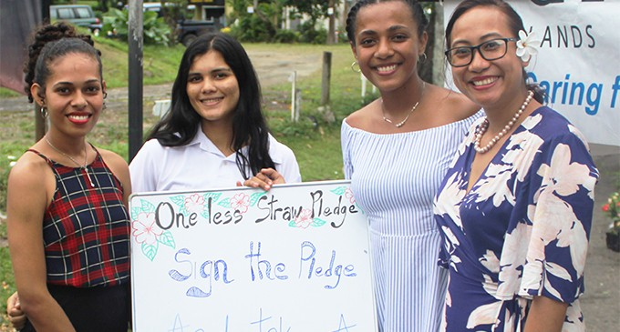 Make pledge to recycle:  Hibiscus contestants