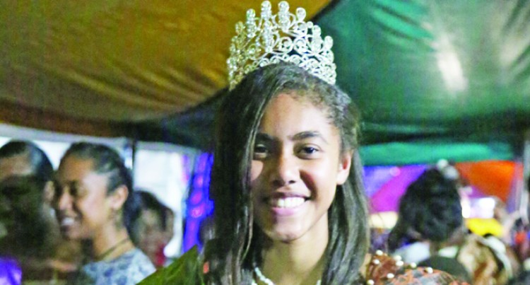 Olive, 16, Grabs Miss Teen Title