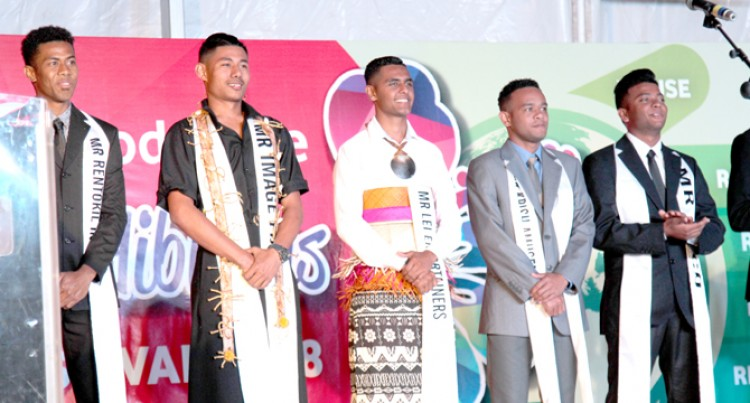 2017 Hibiscus King Encourages Current King Contestants