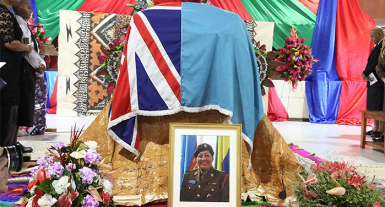 Hundreds Farewell Major Tadu