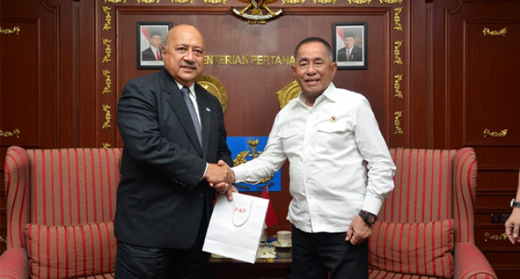 Ratu Inoke Talks  Policing Techniques  With Top Brass