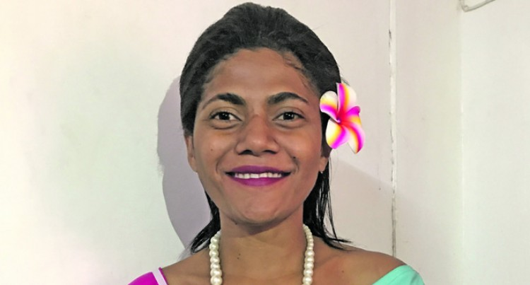 Salusalu Hopes To Meet Kid  Sister In Miss  Fiji Pageant