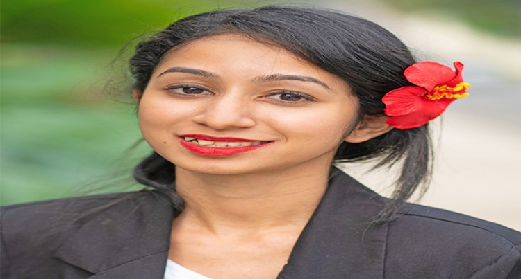 Law student, Eyes Crown