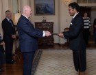Daunivalu Presents Credentials To Aust Governor General