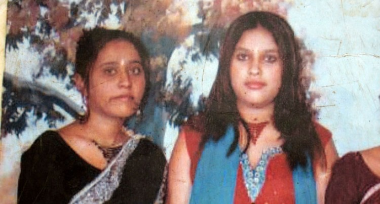 Sisters Last Walk – One Dies, Other In Hospital