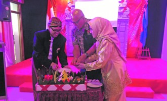 Indonesian Marks Anniversary With Dances, Feasting