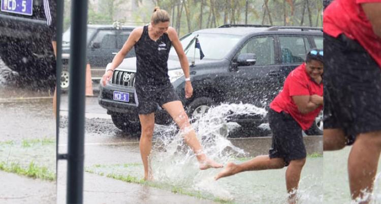 Barefoot In The Rain, Van Dyk Here For NET-GO Programme