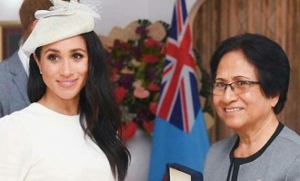 Prince Harry And Meghan In FIji: Award-winning Pearl  Necklace For Duchess