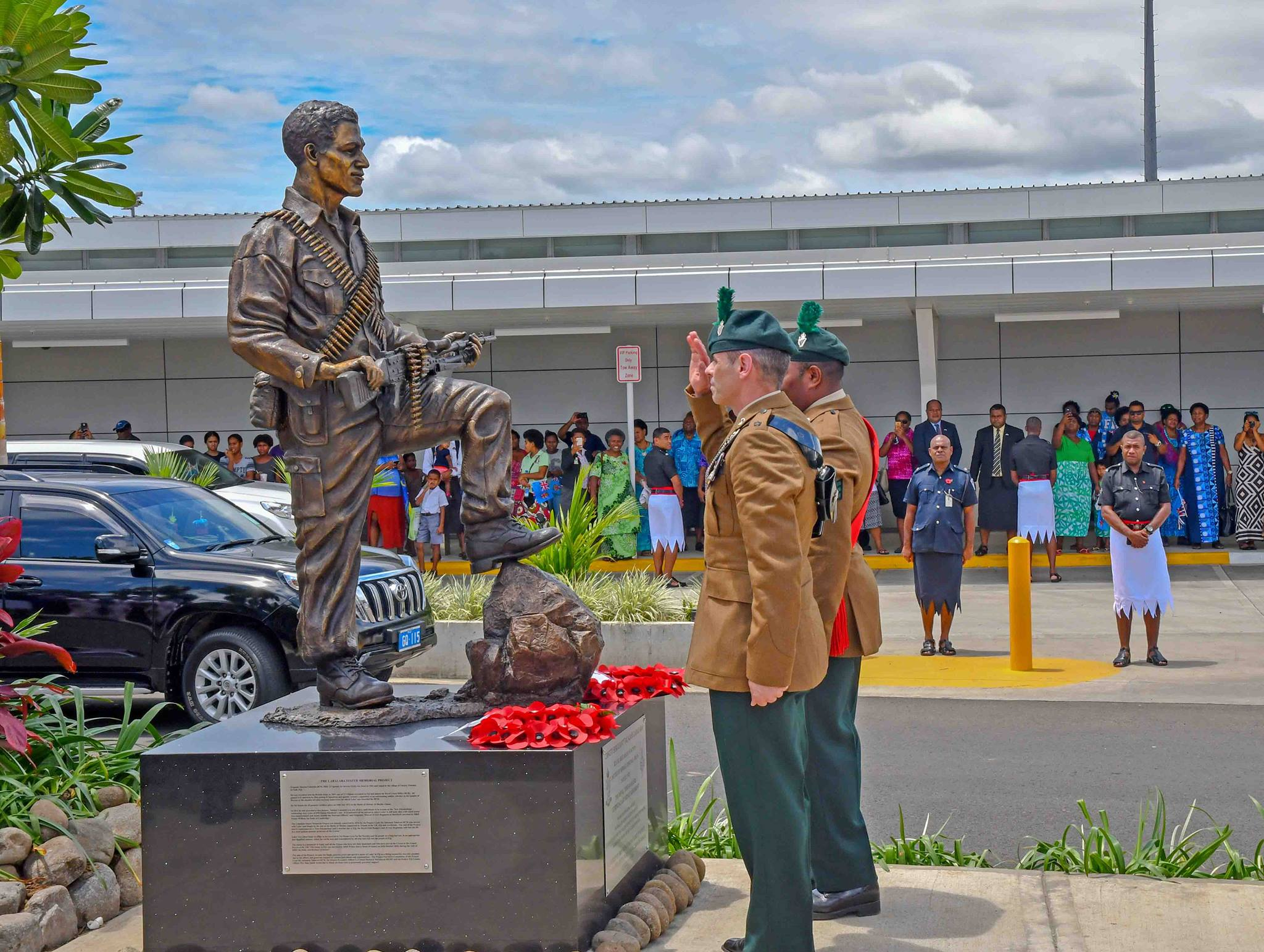 Two members of the Royal Ulster Rifles, Royal Irish Regiment and Special Air Service regiment of the British Army at the unveiling of the bronze statue of the late Sergeant Talaiasi Labalaba on October 25, 2018, at the Nadi International Airport.  Photo: DEPTFO News