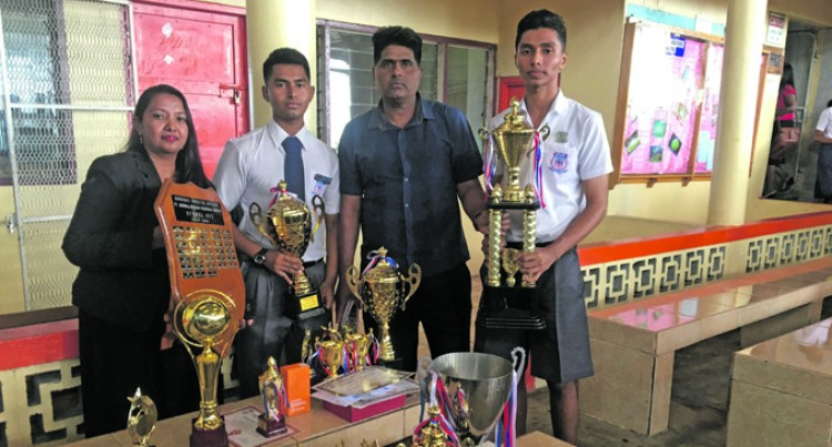Brothers Win Dux Awards, Both Want to Enter Medical Field