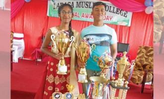 Deepshek, Monisha Share Dux Award