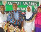 Headgirl Dedicates Dux Awardto Her Parents, Teachers