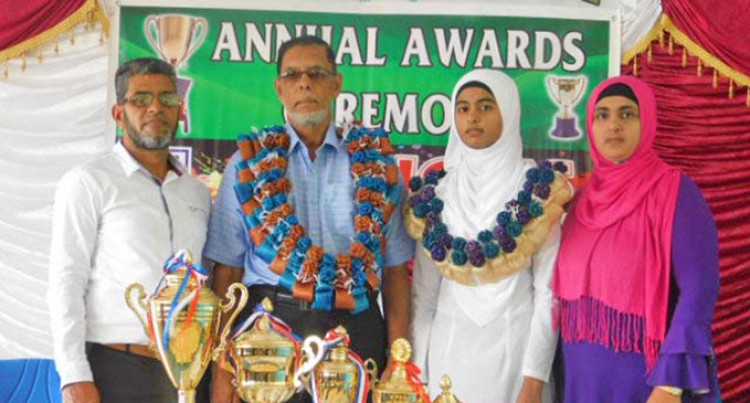 Headgirl Dedicates Dux Awardto Her Parents, Teachers