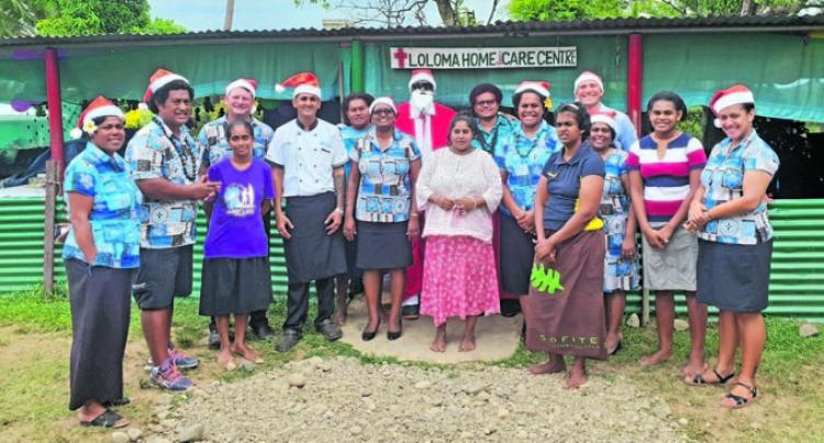 Resort Shares Christmas Joy