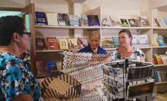 Jenny Morrison and Mary Bainimarama Visit CWM and Fiji Museum