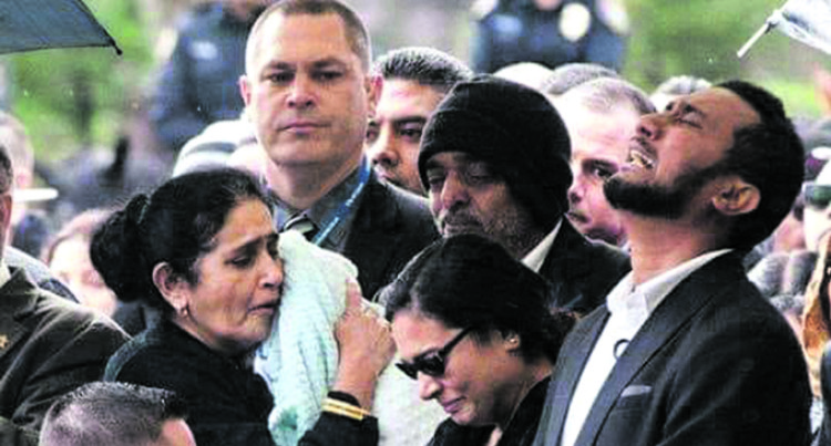 Final Rites For Fiji-born US Cop