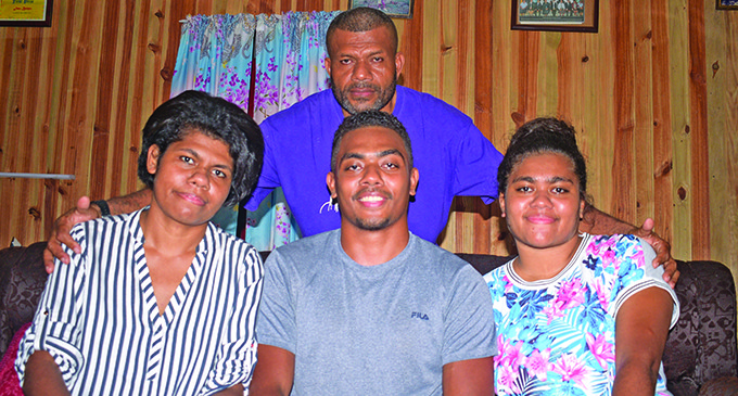 Toppers 3 Praise Parents, Government