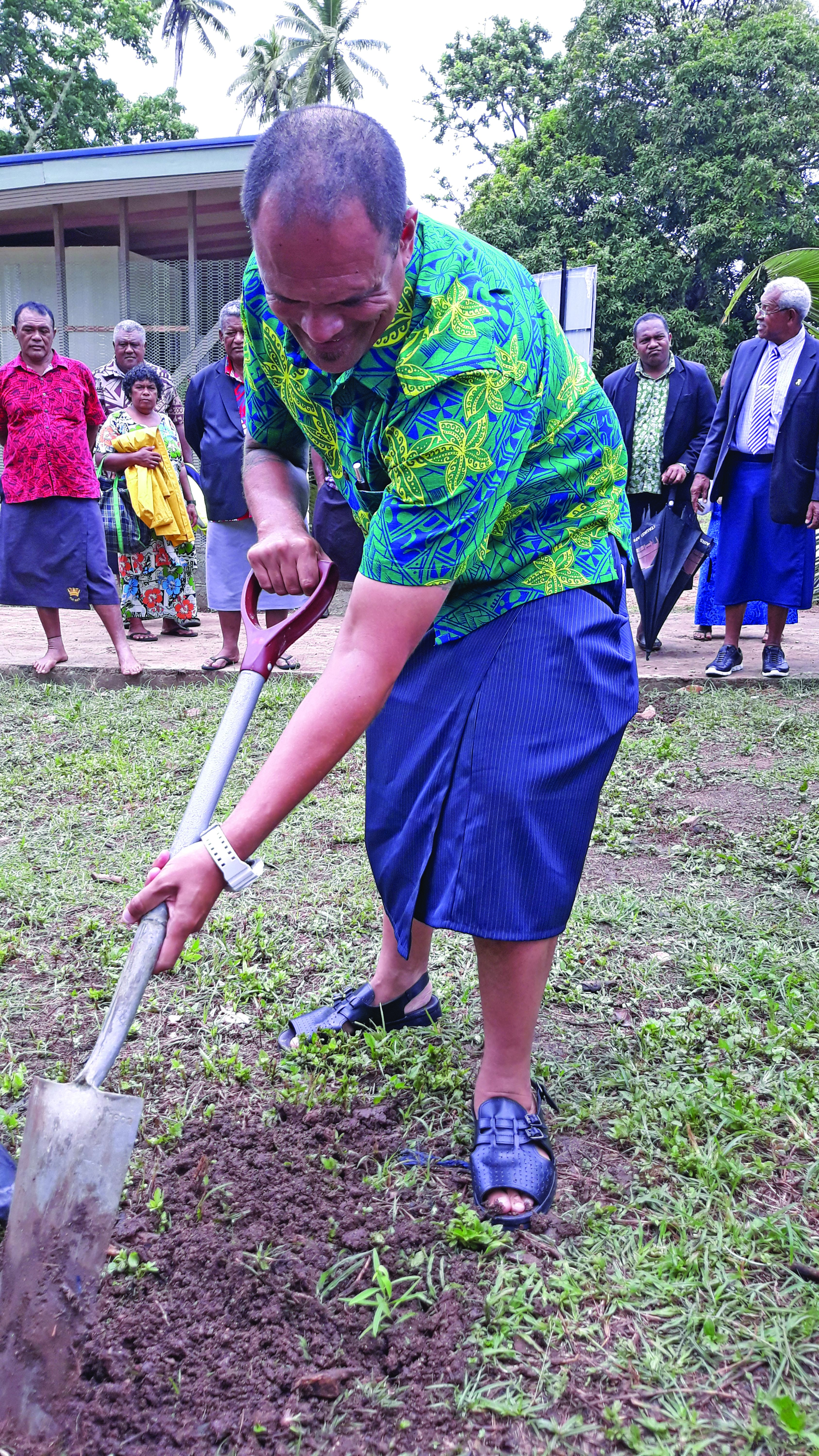 Ministry of Fisheries Permanent Secretary Craig Strong planting a tree at their new office in Naroi Village at Moala, Lau, on January 28, 2019. Photo: Wati Talebula