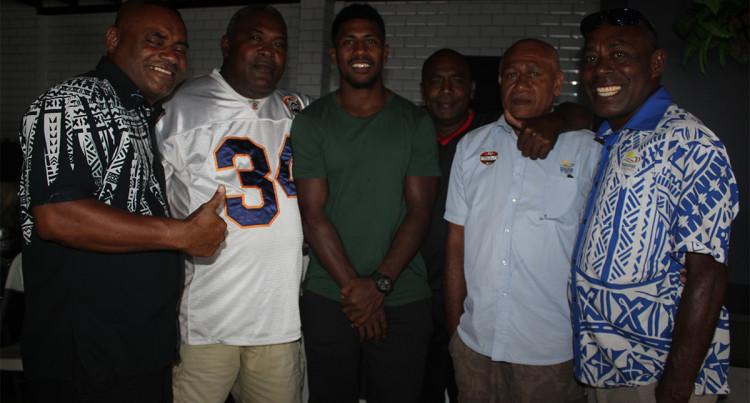 Paradise Beverage Social Club Donates Over $2K To The Fiji Cancer Society