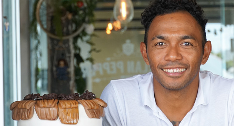 Fijian Cakemaker, Bert Jang Lives the Dream