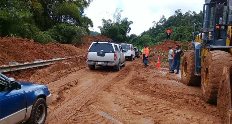 Kings Road At Malabe, Tailevu Open To Single Lane