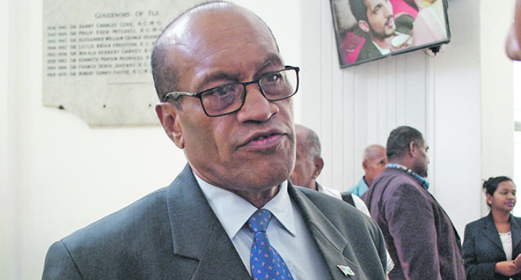 Minister Keeps Watch on Water Supply Issue