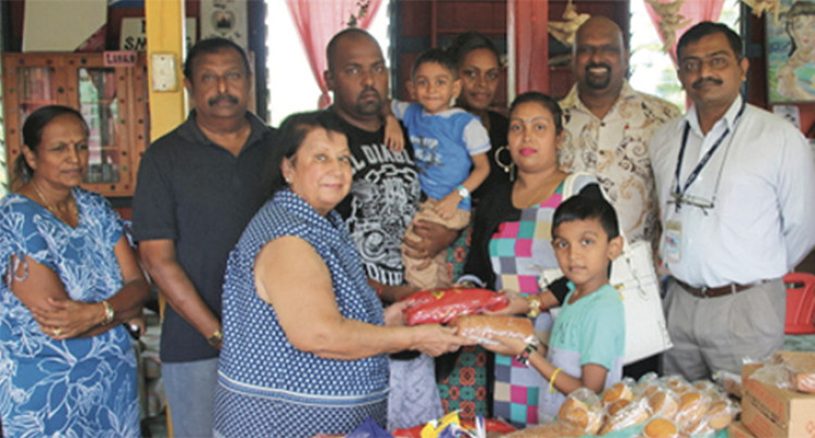 Family Of Former Patient Donates To Hospital