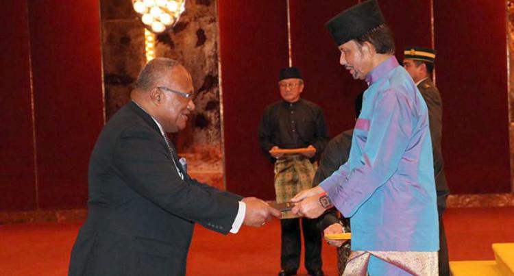 Fijian envoy presents credentials in Brunei