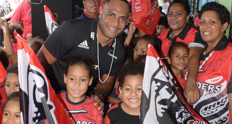 Super Rugby: Crusaders And Chiefs Visit Schools In Suva