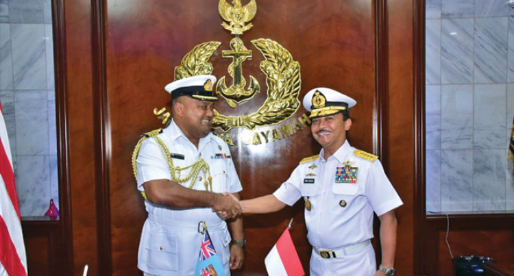 Navy Commander Visits Indonesian Counterpart to Strengthen Ties