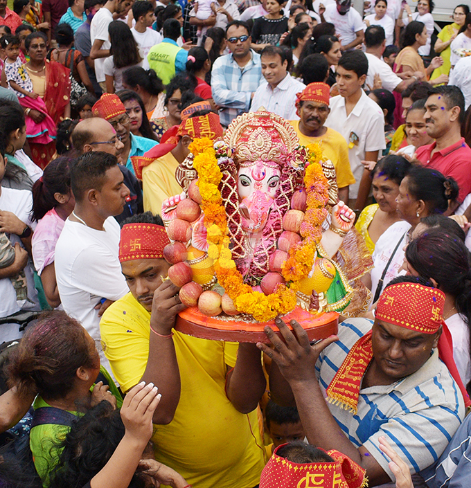 Hundreds of devotees carried the Lord Ganesha idol to mark the final ritual of Ganesh Utsav (Lord Ganesha prayer) at My Suva Park on September 12, 2019. Photo: Ronald Kumar.
