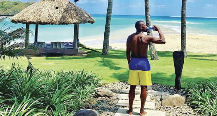 Boxing Icon Mayweather Enjoys A FIJI Water In Fiji
