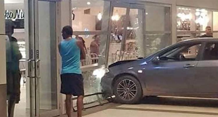 Drama At The Airport Lands Tongan Man In Hospital, Police Guard