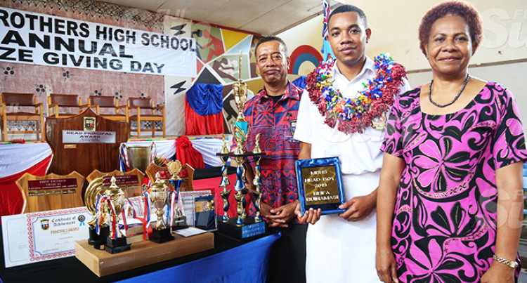 Reifa Takes Marist's Principal's Award, Tops Mathematics, Physics, Chemistry Subjects While Yalimaiwai Gets Dux
