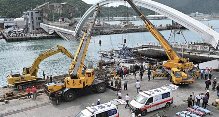 Taiwan Bridge Collapses, 2 Dead, Leaving Dozens Injured, Multiple Wreckages