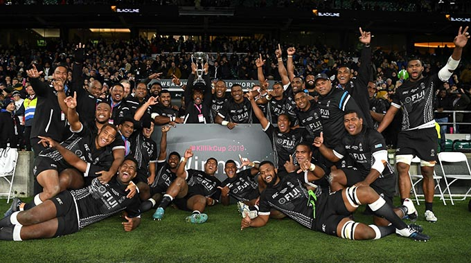 Fiji Airways Flying Fijians celebrate with captain Frank Lomani hoisting the Killik Cup at Twickenham Stadium, London on November 16, 2019. Photo: Barbarians