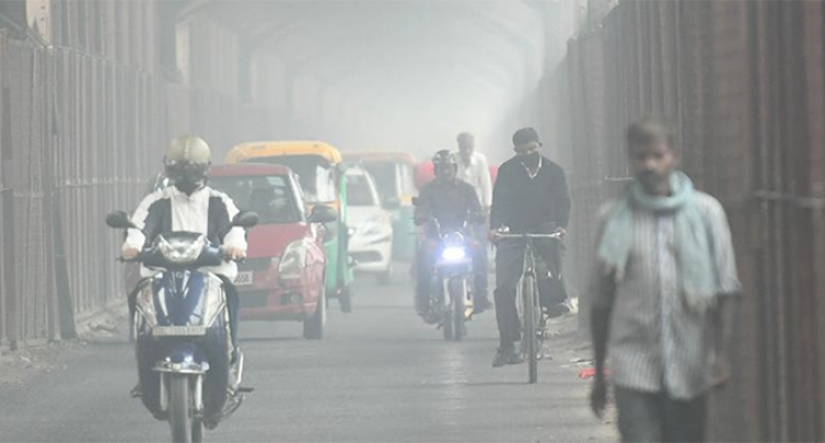 Flights Diverted As New Delhi Chokes On Heavy Pollution