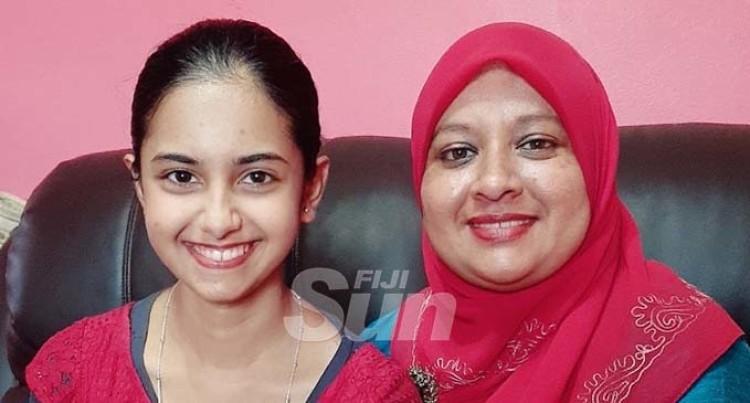 Siddiqa Tops Year 12 In Nasinu Muslim College