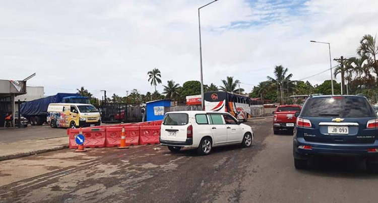 Work On Hole Causes Traffic Delay For Suva Commuters
