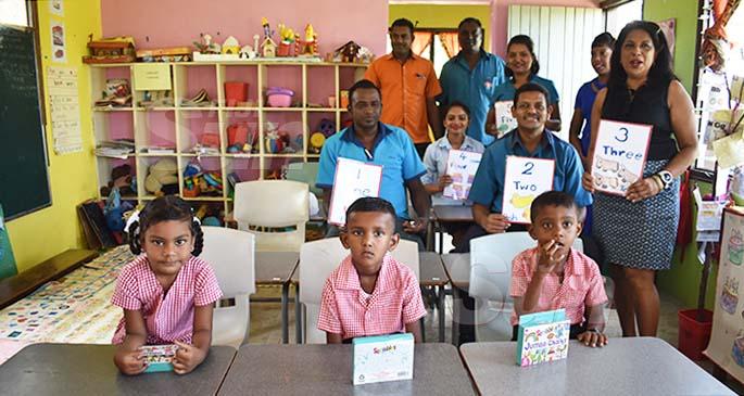 Nadele Kindergarten students and Staff members of Yees Company on January 13, 2020. Photo: Mereleki Nai