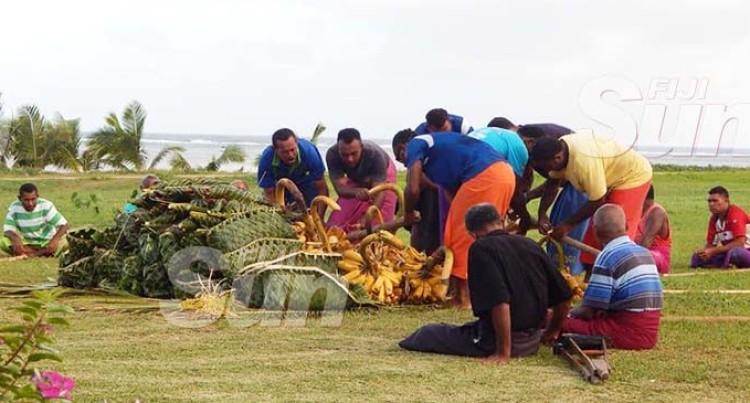 Villagers Present Magiti To Preachers, Chiefs