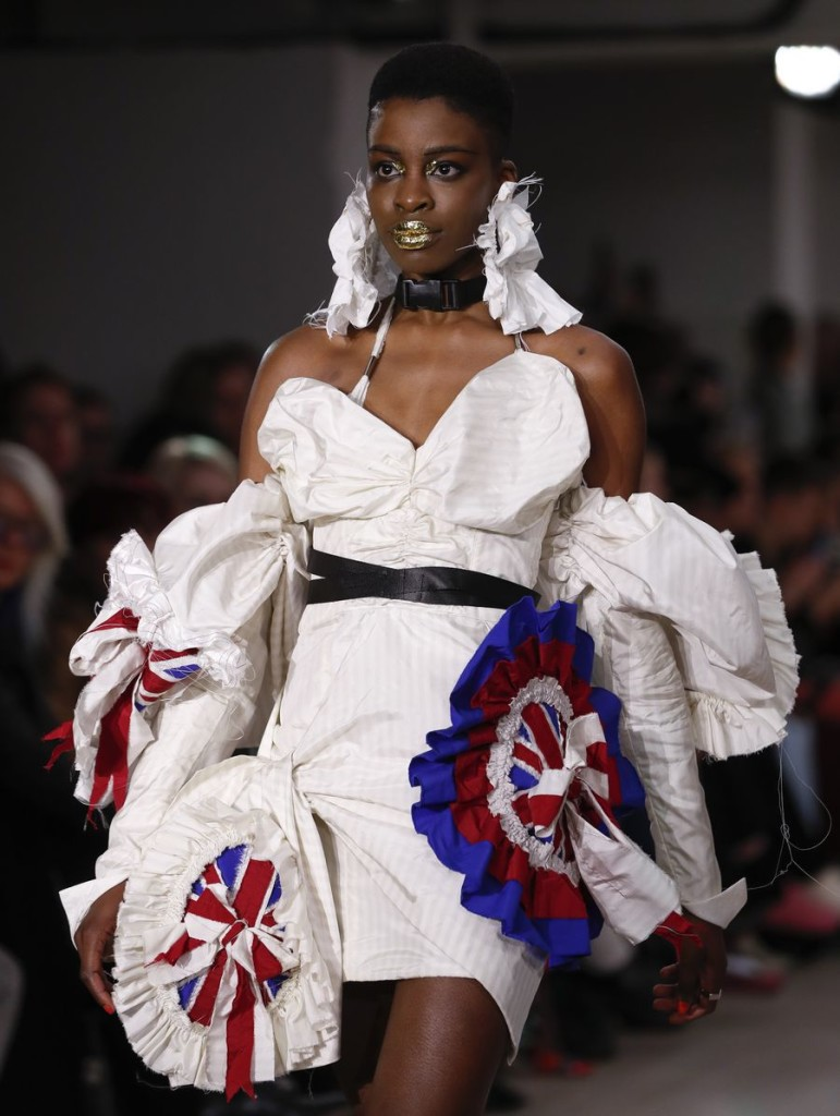 A model walks the runway at On|Off Presents... catwalk show during the London Fashion Week in London, Britain. (Xinhua/Han Yan)