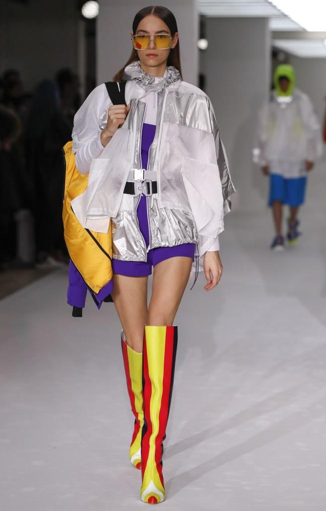 A model walks the runway during the BOSIDENG catwalk show at London Fashion Week in London, Britain. (Xinhua/Han Yan)
