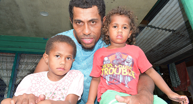 Lost Sisters Reunited With Father After Taxi Driver Found Them On Road