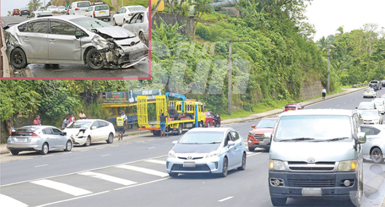 3-way Car Crash Disrupts Traffic Flow For An Hour