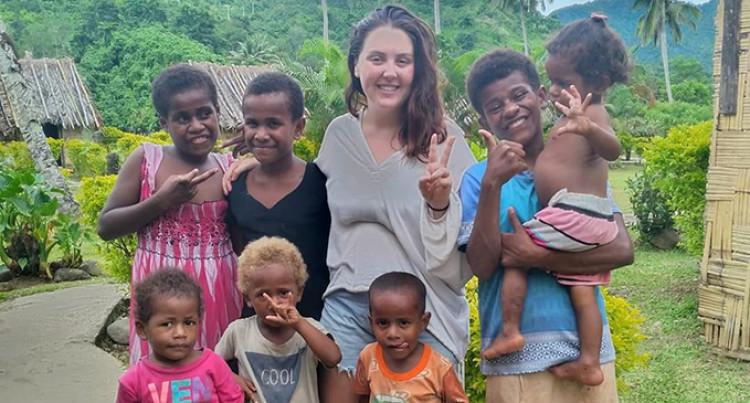 British Woman, Lydia O'Sullivan, Recommends Fiji