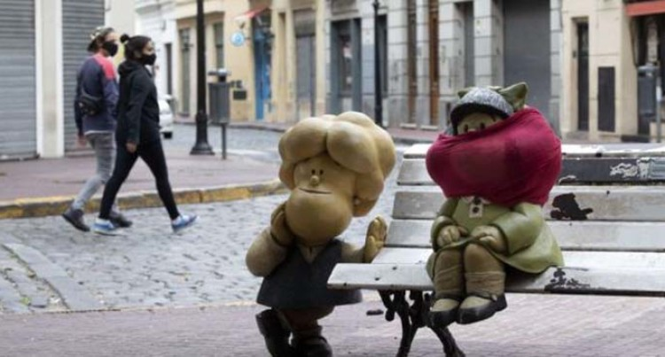 Argentina's Capital Makes Mask-Wearing Compulsory On Public Transit