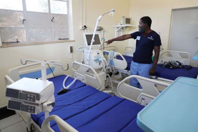 Photo taken on April 1, 2020 shows a ward of the upgraded Wilkins Hospital in Harare, Zimbabwe. (Photo by Wanda/Xinhua)